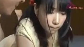 เลียหีญี่ปุ่น เย็ดเด็กนักเรียนญี่ปุ่น เย็ดหีเด็ก เย็ดสดแตกใน หีสวย หีน่าเย็ด หนังxxxญี่ปุ่น หนังAVญี่ปุ่น สาวญี่ปุ่น พ่อเย็ดลูก
